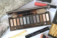 NEW Urban Decay Naked Smoky eyeshadow palette: The One We've All Been Waiting For