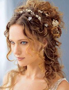 Greek Goddess Hair Updo Greek Goddess Hair in Ancient Styles.  dicandiafashion.com