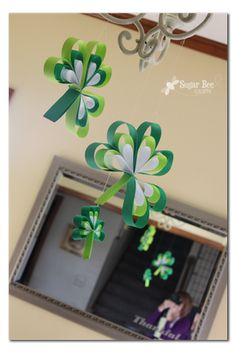 "Sugar Bee Crafts: sewing, recipes, crafts, photo tips, and more!: Paper Strip Shamrocks Hearts for Valentines too. ""Paper Strip Hearts"" (What is used in this crafs for the shamrock leaves) March Crafts, St Patrick's Day Crafts, Bee Crafts, Spring Crafts, Holiday Crafts, Holiday Fun, Crafts For Kids, Paper Crafts, Leprechaun"