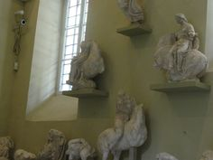 #magiaswiat #epidauros #podróż #zwiedzanie #grecja #blog #europa  #obrazy #figury #twierdza #kosciol #morze #miasto #zabytki #muzeum #teatr Lion Sculpture, Statue, Blog, Travel, Europe, Viajes, Blogging, Trips, Sculpture