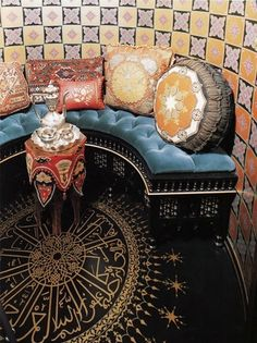Another Moroccan room. Love the floor design.  Lucky me, my husband can write in Arabic- doesn't this look amazing??!