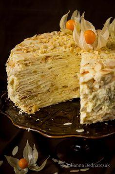 Napoleon - przepyszny rosyjski tort Sweet Recipes, Cake Recipes, Dessert Recipes, Desserts, My Favorite Food, Favorite Recipes, Coconut Curry Soup, Good Food, Yummy Food