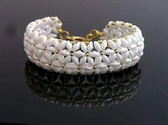 Jewelry Making Tutorial-DIY Beaded Bracelet with Easy Beading Patterns Bracelet Crafts, Seed Bead Bracelets, Seed Bead Jewelry, Bead Jewellery, Jewelry Making Beads, Jewelry Crafts, Beaded Jewelry, Handmade Jewelry, Beaded Necklace
