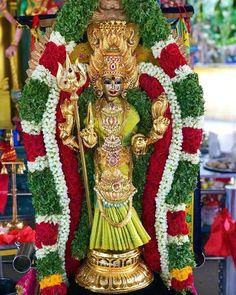 Durga Images, Lakshmi Images, Indian Goddess, Goddess Lakshmi, Warrior Movie, 2015 Wallpaper, Navratri Images, Hindu Deities, Hinduism