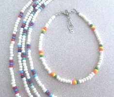 White Glass Seed Bead & Multicolored Accent Bead Ankle Bracelet, Plus Size BOHO Stacking Anklets, Trending Anklets w/Seed Beads Handmade - diy jewelry To Sell Ideen Seed Bead Necklace, Seed Bead Jewelry, Diy Necklace, Fine Jewelry, Jewelry Necklaces, Jewelry Making, Seed Beads, Necklace Ideas, Jewelry Ideas