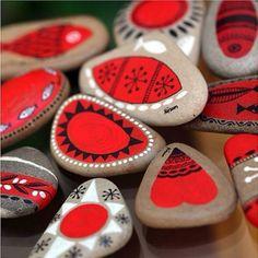 rote Herzen Motive Basteln mit Steinen