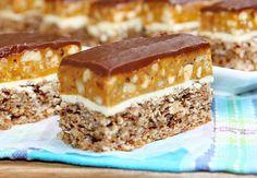 Kolač sa orasima i karamelom Bakery Recipes, Cupcake Recipes, Cookie Recipes, Dessert Recipes, Sweet Desserts, Sweet Recipes, Torta Recipe, Kolaci I Torte, Torte Cake
