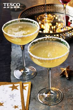 Give a bottle of Prosecco a tropical spin with this pineapple fizz recipe. This simple Christmas cocktail combines Prosecco with pineapple juice and a coconut rim for a fruity festive tipple. Prosecco Cocktails, Fruity Cocktails, Summer Cocktails, Best Nutrition Food, Health And Nutrition, Health Tips, Nutrition Guide, Health Care, Margarita Recipes