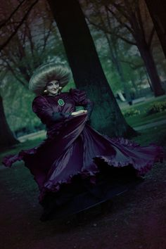 perf Yubaba cosplay is perf. please excuse me while i go cry in the corner.