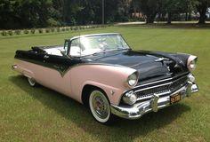'55 Ford Fairlane Sunliner