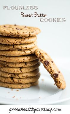A clean Flourless Peanut Butter Cookie recipe with only 4 ingredients: Peanut Butter, Coconut Sugar, Egg, Baking Soda. They are addictive!!!