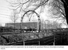 """Expohal - Bij station """"Hilversum-Sportpark""""."""