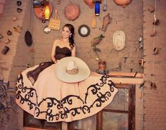 Que bello vestido Mexican Fashion, Mexican Outfit, Mexican Dresses, Mexican Style, Mariachi Quinceanera Dress, Mexican Quinceanera Dresses, Quinceanera Party, Dama Dresses, Quince Dresses
