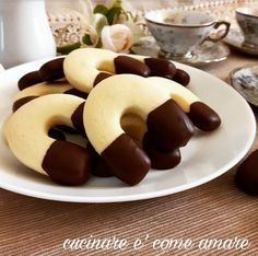 Ferri di cavallo,deliziosi e friabilissimi biscotti al burro con cioccolato.