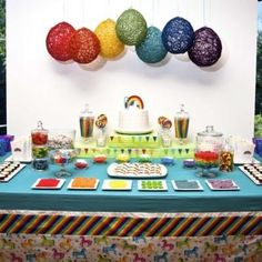 Great table set up for St. Patrick's Day. Love the Rainbow effect - great idea for the kids' buffet