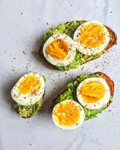 This Is The New Avocado Toast—And It's So Easy To Make Paleo Sweet Potato Toast – Author: The Dish on HealthyServes: 1 large sweet tablespoon oil of [. Sweet Potato Toast, Paleo Sweet Potato, Sweet Potato Recipes, Sweet Potato Breakfast, Healthy Snacks, Healthy Eating, Healthy Recipes, Vegetarian Recipes, Avocado Toast