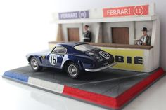 Ferrari 250 gt in diorama le mans box clasic Audi, Ho Slot Cars, S Mo, Le Mans, Dog Treats, Scale Models, Small Dogs, Hot Wheels, Diecast