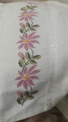 This post was discovered by Mu Cross Stitch Bookmarks, Cross Stitch Bird, Cross Stitch Borders, Simple Cross Stitch, Cross Stitch Flowers, Cross Stitch Designs, Cross Stitching, Cross Stitch Patterns, Embroidery Stitches