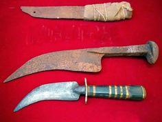URBATORIVM: EL CORVO CHILENO: HERRAMIENTA, ARMA Y SÍMBOLO HISTÓRICO Self Defense Weapons, Dagger Knife, Combat Knives, Fantasy Rpg, Old Things, Tools, Knifes, Sword, Ravens