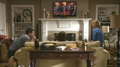 Modern Family  Three Funny Families and Their Three Fab Houses     Modern Family Dunphy House   Modern Family Dunphy House Great Room Mantle  Fireplace