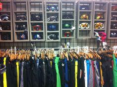 Just some Ski goggles and pants.  www.pedigreeskishop.com