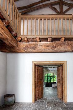 Rénovation d'une ferme au Pays Basque rustic-entry