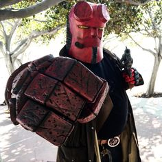 #hellboy @darkhorsecomics  @comic_con @sharemycosplay #cosplay #geek #comiccon #sdcc #scifi  #cosplayer #sdcc2016  #photo #photography #scifielements #photographer #costume #fan #fandom  hellboy #darkhorse #comics created by #mikemignola