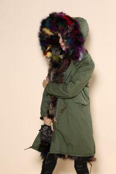 women-fox-fur-jacket-fashion-design-how to wear fur parka-kürklü parka nasıl giyilir-kürklü-the hood-furry-military green-askeri-yeşil-kapşonlu-