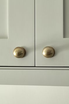 Armac Martin Cotswold Mushroom knobs in a burnished brass finish look beautiful against the Shaker kitchen cabinets painted in the Little Greene 'Cool Arbour' colour. Dark Blue Kitchen Cabinets, Dark Blue Kitchens, Timber Kitchen, Shaker Kitchen Cabinets, Painting Kitchen Cabinets, Kitchen Hardware, Kitchen Handles, Brass Hardware, Cabinet Hardware