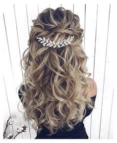 Hair Comb Wedding, Wedding Hair And Makeup, Wedding Updo, Simple Wedding Hair, Romantic Bridal Hair, Bridal Hair Down, Wedding Party Hair, Long Bridal Hair, Dream Wedding