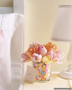 Love the candy filled vase~