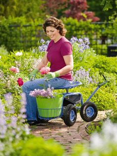 Tractor Scoot | Rolling Garden Seat | Gardener's Supply