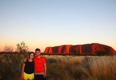 O sol nasce no Uluru Austrália!  Welcome to Outback!  #uluru  #australia #natgeotravel #picofftheday #pegadasnaestrada #pegadasnaaustralia #missaovt #melhoresdestinos #kayak  #trip #viagem #liveoutdoors #braroundtheworld #ntaustralia #aquelasuaviagem #landscape #ntaustralia bestvacations #wonderful #love #sunset #instagram #instatravel #sunset #pordosol #photography #outback #liveoutdoors #viajenaviagem