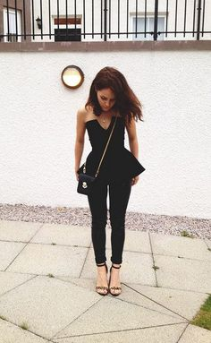 The Little Magpie: Friday night outfits Peplum Top Outfits, Cute Outfits, Night Outfits, Fashion Outfits, Womens Fashion, Fashion Sets, Glamour, Black Butler, Look Chic