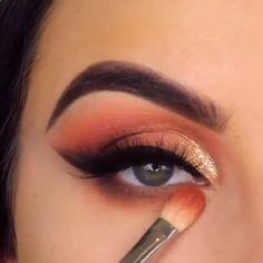 Easy Eye Make up videos Easy Eye Make up Girls Makeup, Glam Makeup, Skin Makeup, Makeup Inspo, Eyeshadow Makeup, Smokey Eyeshadow Tutorial, Smokey Eyeliner, Palette Nyx, Makeup Palette