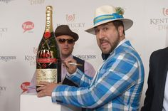 Pin for Later: Celebrities Party in the South at the Kentucky Derby  Joey Fatone's hat matched his jacket.