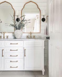 Simple Modern Bathroom Design Ideas not Small Bathroom Design Ideas Modern Beautiful Bathrooms, Modern Bathroom, Small Bathroom, Master Bathroom, Bathroom Fixer Upper, Pool Bathroom, Minimalist Bathroom, Contemporary Bathrooms, White Bathroom