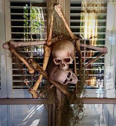 H.Forums - The Halloween Lady: Bone Pentagram Wreath.