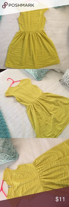 SALE O'Neill casual yellow dress Super cute bright yellow dress from O'Neil. I wore one time to sorority recruitment. Very comfortable and professional O'Neill Dresses Midi