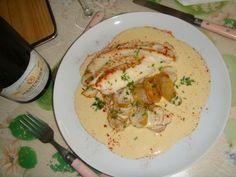 http://www.750g.com/escalope-a-la-creme-thermomix-r62363.htm (2 personnes)      200g d'eau     200g de creme fraiche     Sel et poivre     40g de beurre     1 cube de bouillon     400g de patates     1 cuillère de farine     1 oignon     2 escalopes