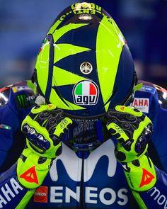 ◐ VALEYELLOW46FANPAGE ◑さんはInstagramを利用しています:「Helmet ON! @valeyellow46 #Austin2018」