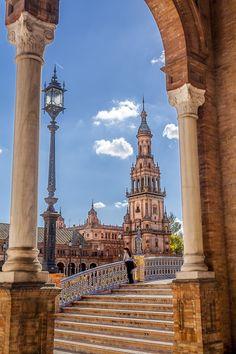 """""""Mirando a la plaza"""" by Jesús Sánchez Ibáñez, via 500px.  Sevilla, Plaza de España"""