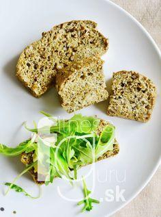 Nadýchaný chlieb bez použitia akejkoľvek múky Salmon Burgers, Grain Free, Avocado Toast, Bread Recipes, Healthy Lifestyle, Paleo, Rolls, Vegan, Cooking