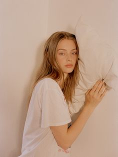"""""""Lauren de Graaf (p: Annie Lai), Wonderland Magazine, Fall <Young And Beautiful> Pretty People, Beautiful People, Young And Beautiful, Woman Face, Pretty Face, Pretty Woman, Fashion Models, Hair Beauty, Long Hair Styles"""
