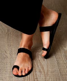 Black handmade leather sandals women,ringtoe sandal, genuine leather