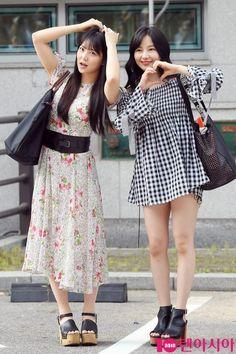 Shiroma Miru & Murase Sae @ Samsan World Gymnasium for 'PRODUCE 48' recording Japanese Girl, Thighs, Midi Skirt, Kpop, Celebrities, Skirts, Fashion, Japan Girl, Moda