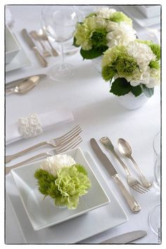 Place Settings, Table Settings, White Cottage, Table Flowers, Bed And Breakfast, Pretty Flowers, Sweet Home, Plates, Jessie