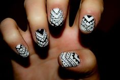 Black & White Aztec nails!