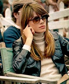 Retro Fashion Françoise Hardy at the 1969 Isle of Wight festival Fashion leather articles at 60 % wholesale discount prices Françoise Hardy, 70s Fashion, French Fashion, Vintage Fashion, Divas, Isle Of Wight Festival, Inspiration Mode, French Girls, Parisian Style