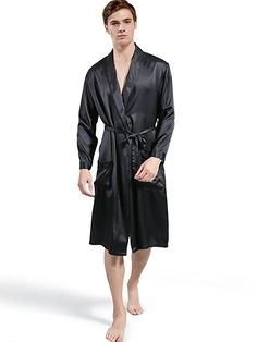 ElleSilk Men's Silk Robe, 100% 22 Momme Mulberry Silk Nightdress for Men Black M ** buy now: http://amzn.to/2iqep9T